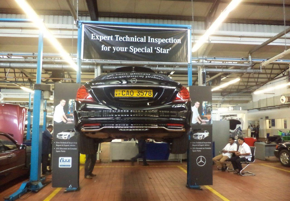 Daimler Technical Specialist in Sri Lanka carries out Technical